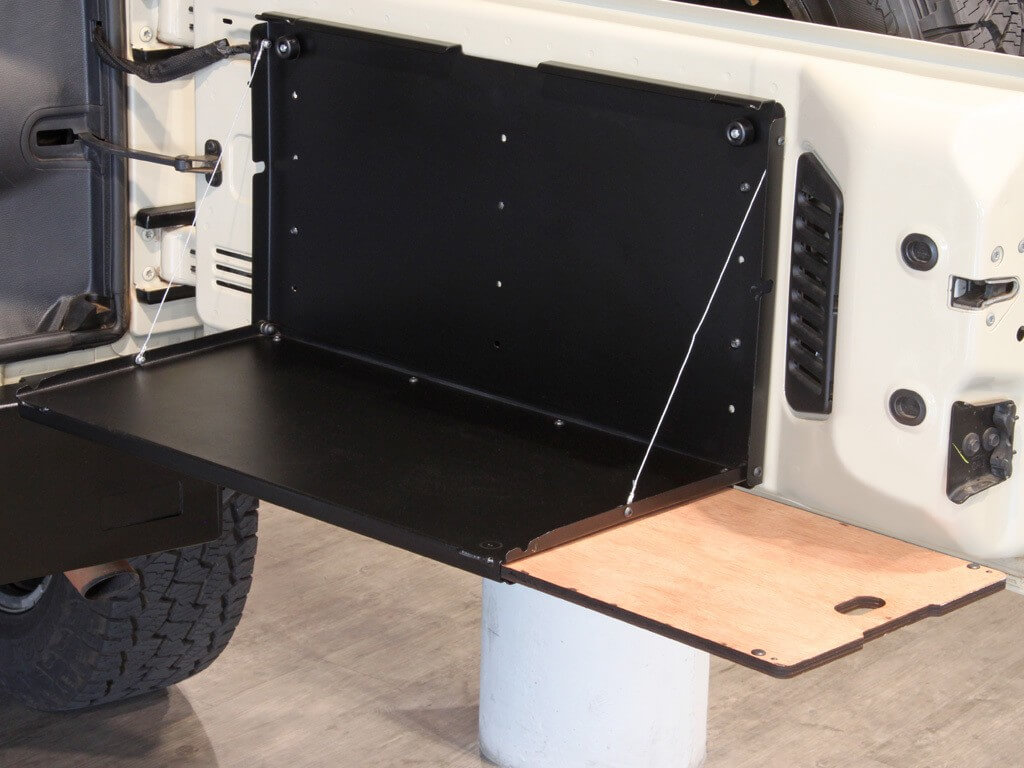 Benefits of a 4wd rear door fold down table